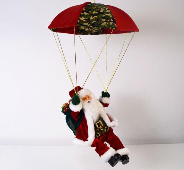 Slika Djed Božićnjak sa padobranom 73 cm