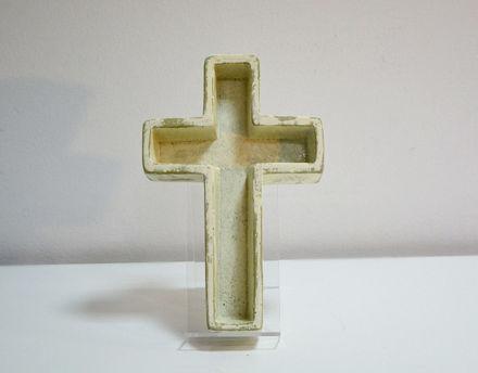 Slika Posuda za aranžman križ polyresin 20 x 30 cm