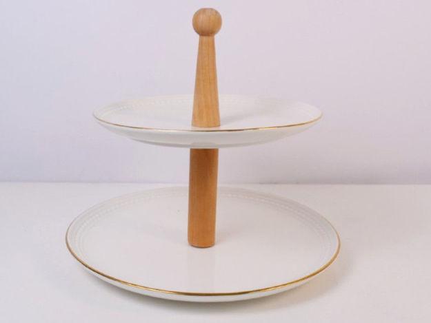 Slika Etažer 2 nivoa porculan/drvo 25 cm x 21 cm x 26 cm